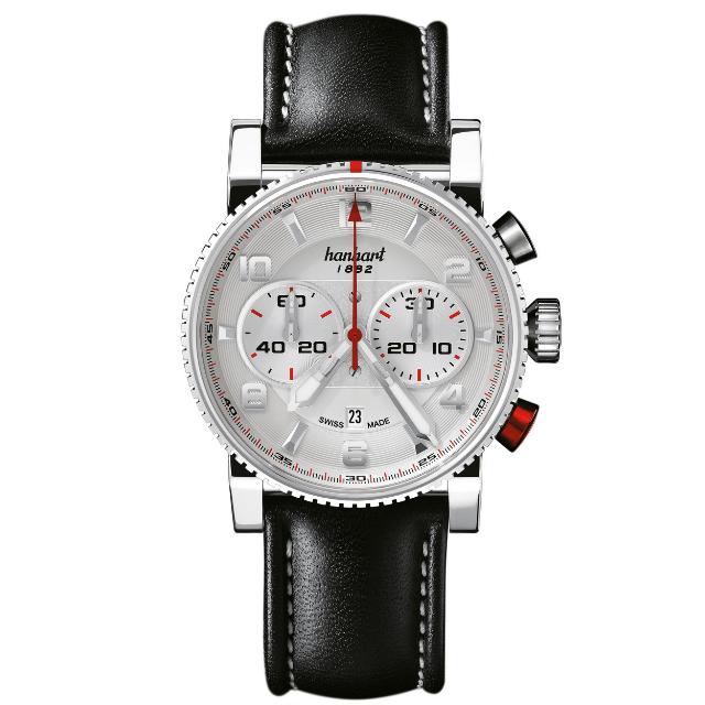 Hanhart Primus Racer 741.220-0020: Vorderseite des Chronograph in weiß und silber aus Edelstahl mit weißen und roten Zeigern und braunem Lederarmband