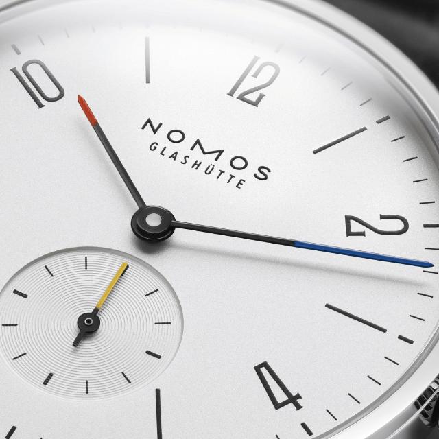 Nomos Tangente Bauhaus Detail