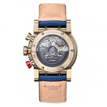 Hanhart Primus Nautic Pilot Bronze 740.170-3320: Rückseite des Chronograph in blau aus Edelstahl mit Bronze Beschichtung mit transparentem Gehäuseboden mit bronzefarben Lederarmband der Innenseite