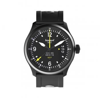 Hanhart S-Serie SK 60 GMT: Vorderseite der Uhr in schwarz aus Edelstahl mit weißen und gelben Zeigern und schwarzem Kautschuk-Armband