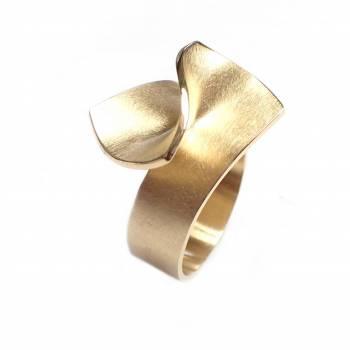 Goldring gefaltet breit 18kt Gelbgold