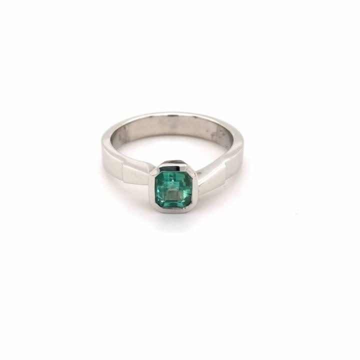 Smaragd Ring 0,65ct Weißgold
